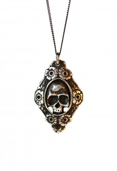 """Necklace """"Skull & Roses"""" by Perry Gargano"""